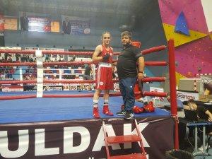 Nuri Eroğlu Büyük Erkekler ve Büyük Kadınlar Türkiye Ferdi Boks Şampiyonası'nda Elazığ rüzgarı