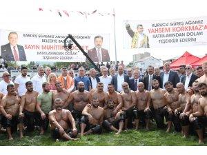 Başkan Böcek, Bayramiç Yağlı Güreşlerine katıldı