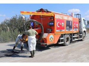 Soğuk asfalt yama aracı yol sorununu çözdü