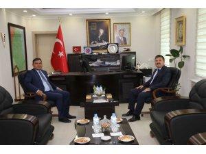 Iğdır Valisi Sarıibrahim ve Kaymakam Balcı üniversite yıllarını yad etti