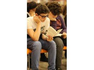 """""""Boyun Kadar Kitap Oku"""" başvuruları başladı"""