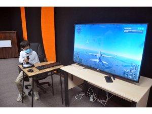 Yüksekovalı öğrencilere 'pilotluk' dersi