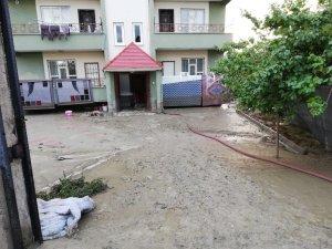 Van'da sağanak yağış su taşkınlarına neden oldu
