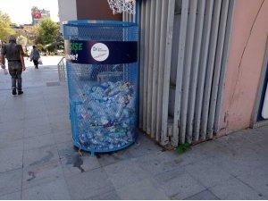 İzmit'te 1 ton plastik şişe geri dönüşüme kazandırıldı