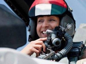 IŞİD'e bomba yağdıran kadın pilot!