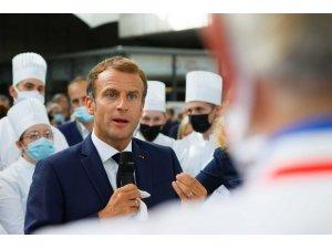 "Fransa Cumhurbaşkanı Macron'a ""yumurtalı"" saldırı"
