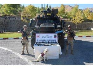 Bitlis'te 10 kilo patlayıcı ile 22 adet el bombası ele geçirildi