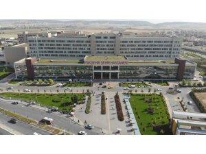 Şehir hastaneleri sağlık yükünü alıyor