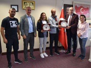 Tokyo Olimpiyatları'nın kahramanlarından Buse Naz Çakıroğlu hedeflerini anlattı