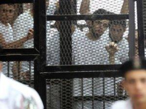 Mısır'da darbe karşıtlarına 18'er yıl hapis