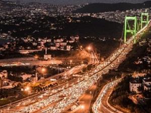 İki köprüde de kaza: Trafik felç!