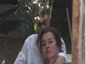 İstanbul'da bir kadın boğazına bıçak dayanarak rehin alındı