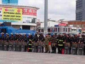 İstanbul'da asker sokağa indi!