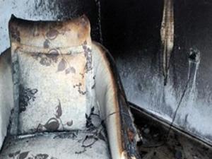 Prizde bırakılan telefon evi yaktı