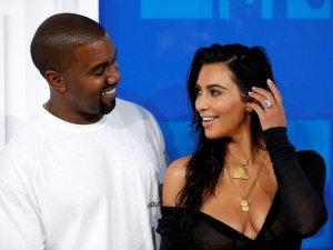 Kim Kardashian ve Kanye West boşanmayı askıya aldı