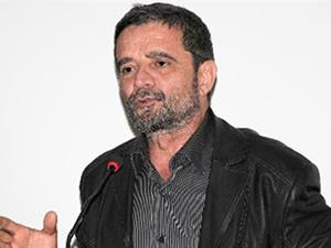 Zaman gazetesi yazarı Başbakan Davutoğlu'na sahip çıktı