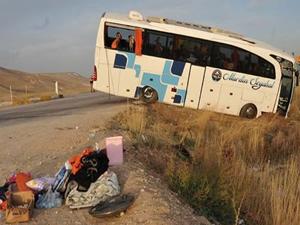Sivas'ta yolcu otobüsü devrilmesi sonucu 36 kişi yaralandı!