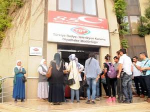 Diyarbakır'da TRT binasına baskın yapıldı!
