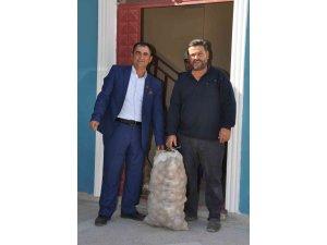 """""""İrem Derici'nin patatesi hazır, alması için köyümüze bekliyoruz"""""""