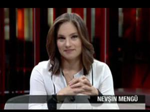 İsveç'in yakışıklı bakanı Mengü'yü güldürdü