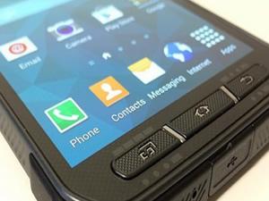 Samsung'un bu telefonunu bekleyenlere kötü haber
