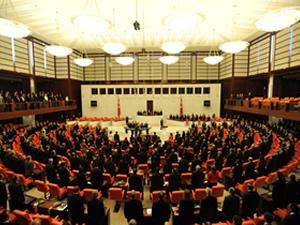 AKP, yandaş olmayan medya için öyle bir yasa çıkarıyor ki..
