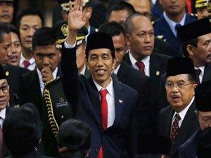 Endonezya'nın yeni devlet başkanı yemin etti