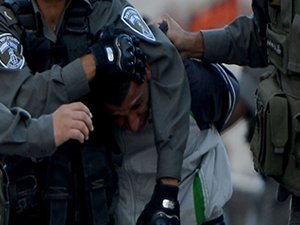 Filistin'de 100'den fazla kişi gözaltına alındı