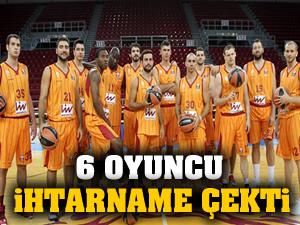 Galatasaray'da 6 oyuncu ihtarname çekti
