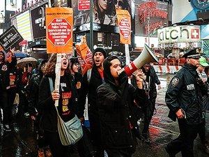 Polis şiddeti, ABD'de protesto edildi