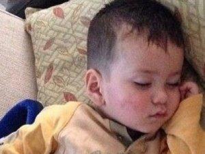 Evde oynarken balon yutan çocuk öldü!