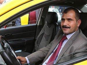 100 bin TL'yi sahibine ulaştıran taksiciye ödül