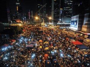 Hong Kong'da protestocular referandum yapacak