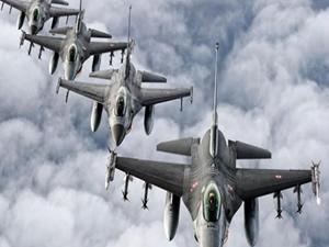 10 adet F-16 ile sınırda devriye uçuşu