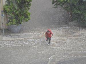 İstanbullular dikkat! Şiddetli yağış başladı