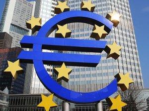 """Ekonomistler ECB'nin """"stres testi""""ni değerlendirdi"""