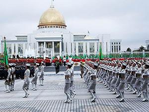 Türkmenistan bağımsızlığını kutladı