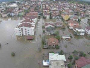 Kocaeli'nin 1 aylık yağmuru, Kartepe'ye 6 saatte düştü!
