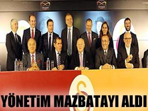Galatasaray'ın yeni yönetimi mazbatasını aldı