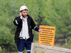 Madenin girişinde yürek burkan tabela