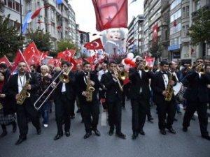 29 Ekim yurt genelinde törenlerle kutlandı!