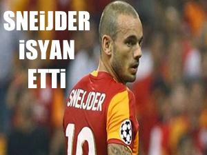 Sneijder'den isyan bayrağı!