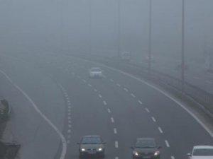 İstanbullular güne yoğun sisle uyandı