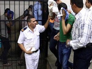 Mısır'da eşcinsel düğüne hapis!