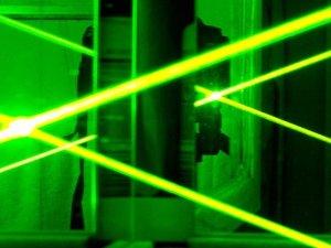 Çin'den küçük İHA'lara karşı lazer silahı