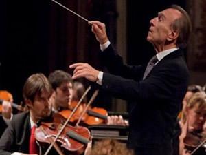 Bir başkadır orkestra şefi!