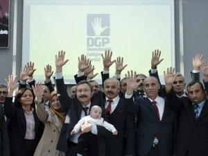 İdris Bal partisinin isim ve amblemini açıkladı
