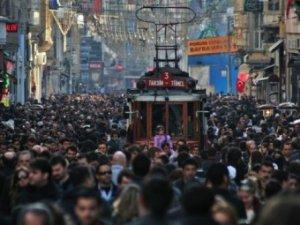 Türkler sadece kendilerini seviyor