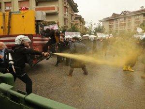 Validebağ'da polisin sert müdahelesi