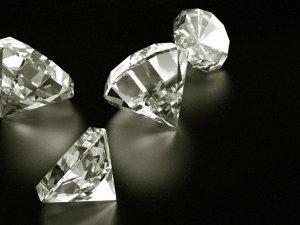 Bilim insanları yapay elmas üretmek için uğraşıyor